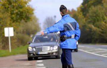 contrôle routier gendarme